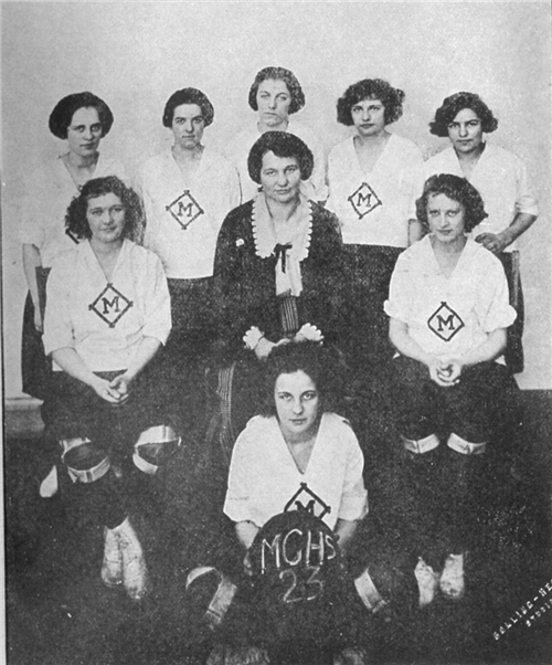 Girls basketball 1922-1923