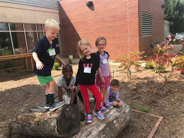 Shirley Hills Debuts New Outdoor Classroom
