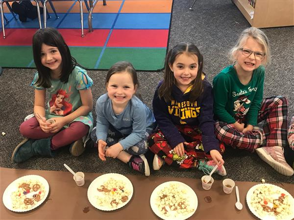 Shirley Hills Kindergartners Celebrate Thanksgiving